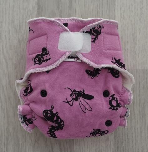 Kalhotková plenka BuBuGau broučci na růžové (kalhotková plena s krátkou vkládačkou)