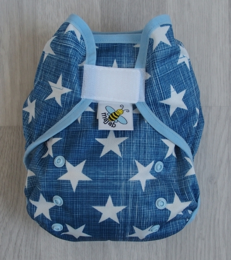Svrchní PUL kalhotky Majab na suchý zip - Hvězdy na modré (Svrchní PUL na sz - obsahuje patentky na SIO)